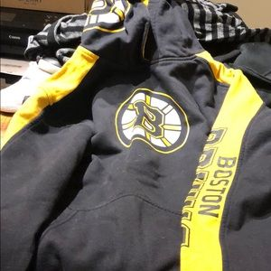 Boys Large Boston bruins hoodie